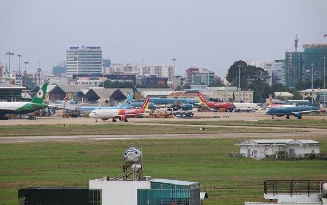 Tạm dừng tất cả các chuyến bay chở khách từ nước ngoài đến sân bay Tân Sơn Nhất
