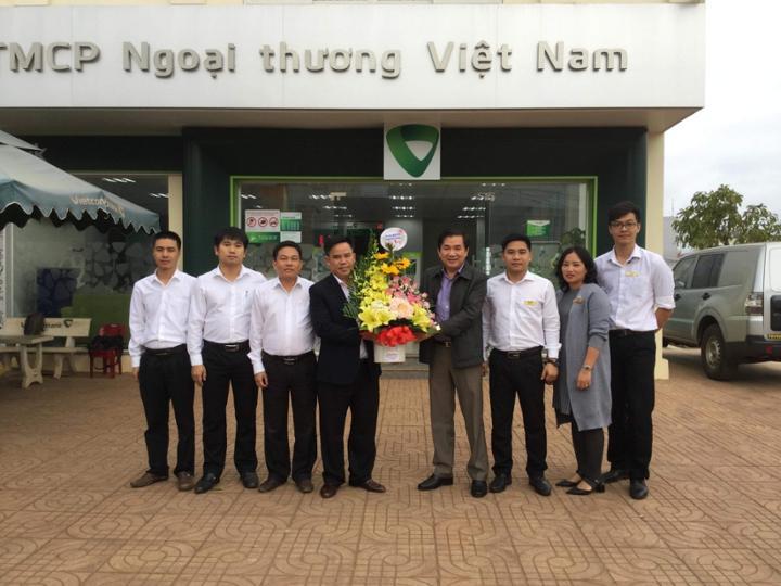 VIETCOMBANK chi nhánh huyện Krông Năng kỷ niệm 1 năm thành lập chi nhánh