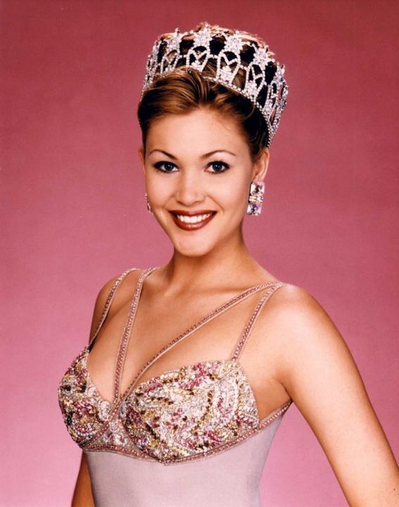 Hoa hậu Mỹ chia sẻ thành quả giảm cân ngoạn mục sau khi tăng 18kg