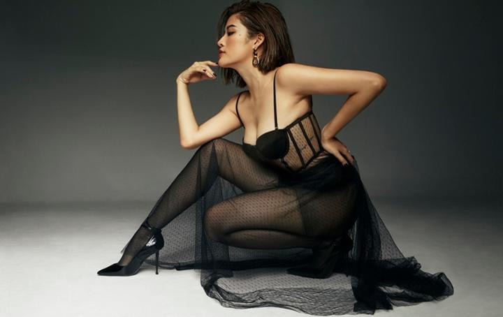 """Hoa hậu Phan Hoàng Thu khoe body """"đồng hồ cát"""" ở tuổi 30"""