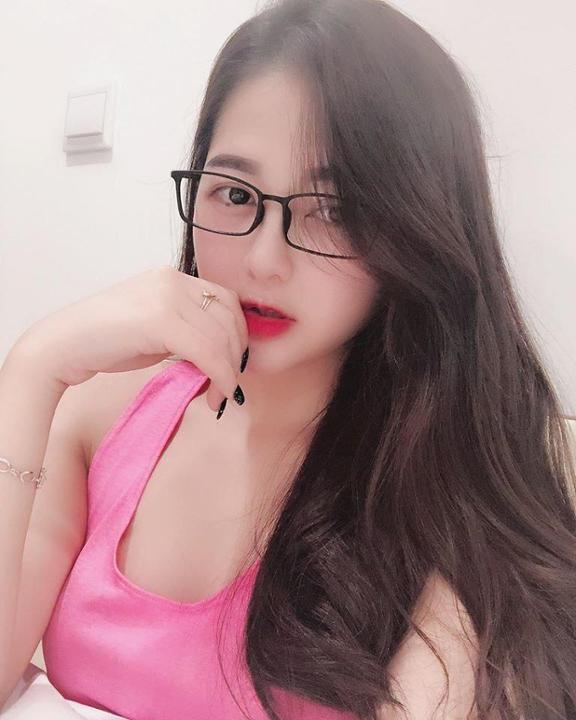 9x Việt nổi đình nổi đám vì vẻ ngoài xinh như mỹ nhân Hàn Quốc!