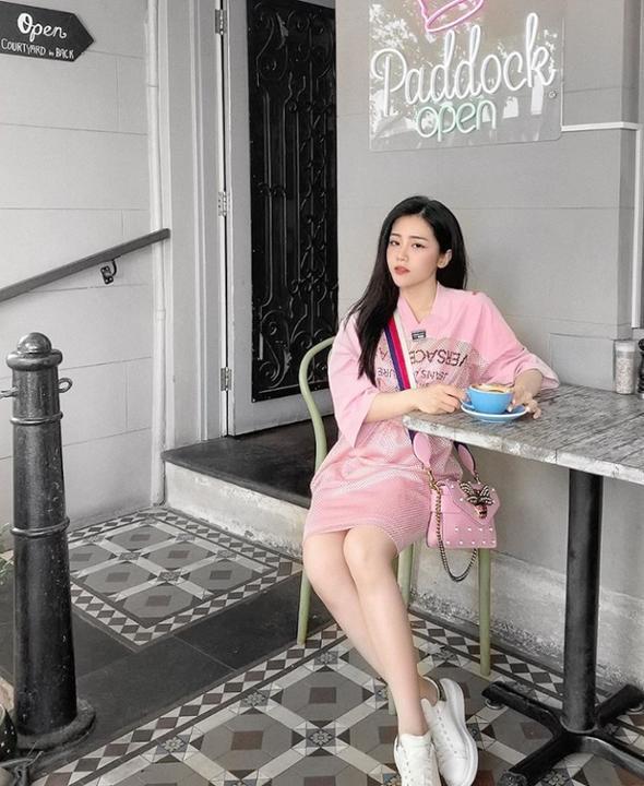 Xinh đẹp lại đang độc thân, em gái Ông Cao Thắng trở thành tâm điểm chú ý của dân mạng trước thềm đám cưới của anh trai