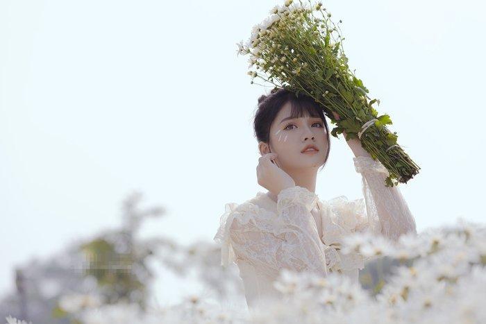 Hoa khôi thể thao Khánh Huyền tung bộ ảnh 'thanh xuân' đầy mộng mơ
