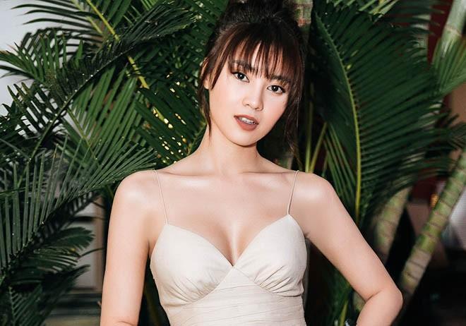 Ninh Dương Lan Ngọc khoe loạt ảnh bikini nóng bỏng