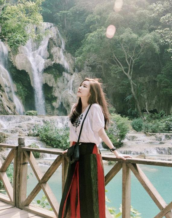 """""""Say mềm"""" nhan sắc đỉnh cao hot girl Lào bị nhầm là gái Hàn Quốc"""