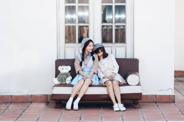 Chị em nhà Nhã Phương xinh đẹp vẹn toàn, chăm làm điệu và diện đồ giống nhau khi đứng chung 1 khung hình
